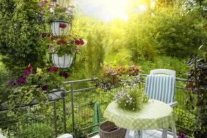 Die Höhe der Balkon neu fliesen Kosten hängt unter anderem mit der verwendeten Fliesenqualität zusammen.