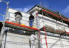 Die Fassaden streichen kosten pro m2 können je nach Region und Qualifikation des Malers variieren.