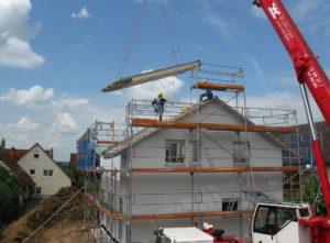 Wie hoch die Trockenbauer Preise ausfallen, hängt eng mit der Tätigkeit zusammen., ob es sich z.B. um Dämmungs oder Dacharbeiten handelt.