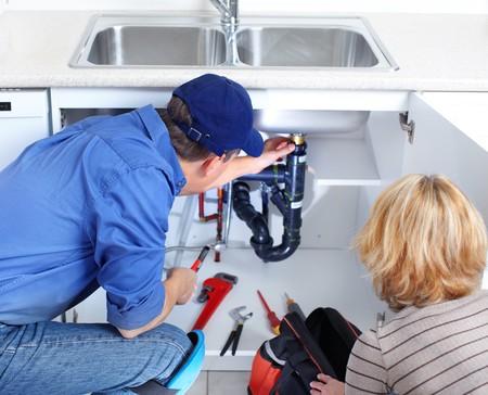 Zum Aufgabenspektrum eines Klempners zählt u.a. Waschmaschine anschliessen, Spühlmaschine anschliessen, Rohrverstopfung, Toilettenverstopfung. Abflussverstopfung und Rohrreinigung.