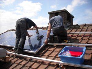 Die Solaranlage Kosten können sehr unterschiedlich ausfallen. Das Gleiche gilt für die Solarthermie Kosten.