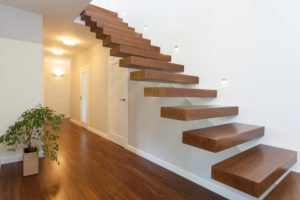 Was darf eine neue Treppe kosten? Die Preise unterscheiden sich stark, je nach gewähltem Material.