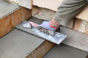 Die neue Treppe Kosten variieren sehr stark und hängen unter anderem mit der Region und Qualifikation des Treppenbauers zusammen.
